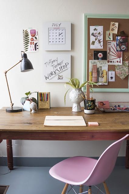 pink chair desk