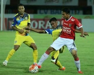 gambar Ricky Fajrin (bek kiri) Bali United