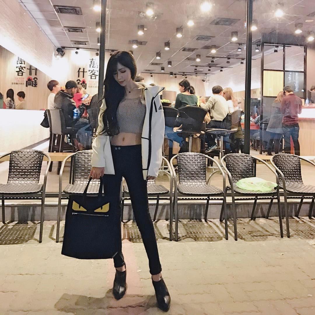 Chloe Fan Weibo
