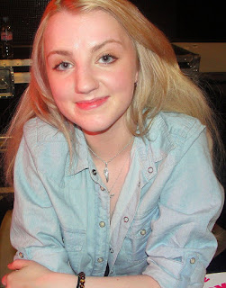 Harry Potter Star Evanna Lynch Says she is an Obsessive Fan of Harry Potter