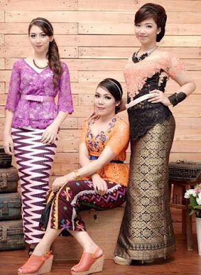 Contoh Baju Kebaya Motif Batik Wanita Gemuk