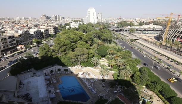العمل على تخفيف القيود على الفيزا السياحية للسوريين