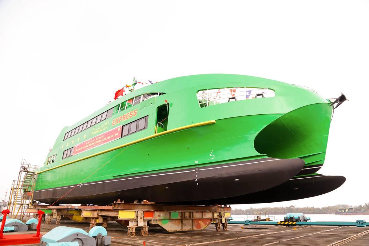 Lễ hạ thủy tàu cao tốc Mai Linh Express