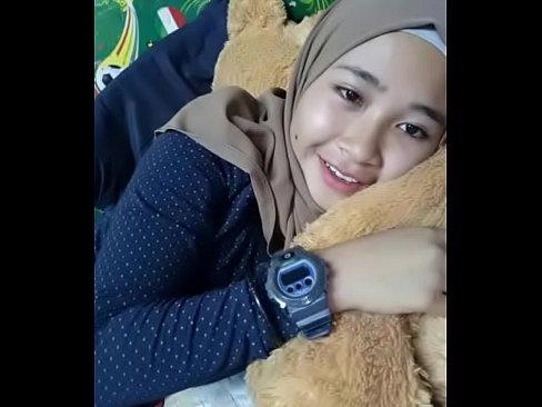 Nurul, Bokep Viral Wanita Berjilbab