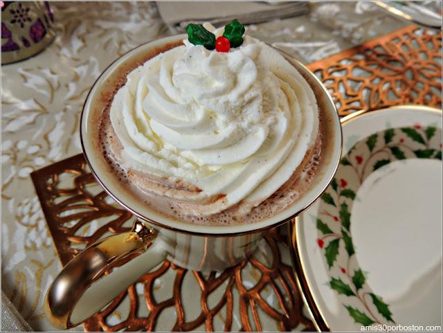 Desayuno de Navidad: Chocolate Caliente con Nata