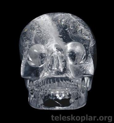tarihi eser kristal kuru kafa