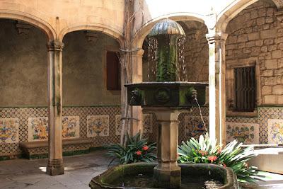 Courtyard of Casa de la Ardiaca