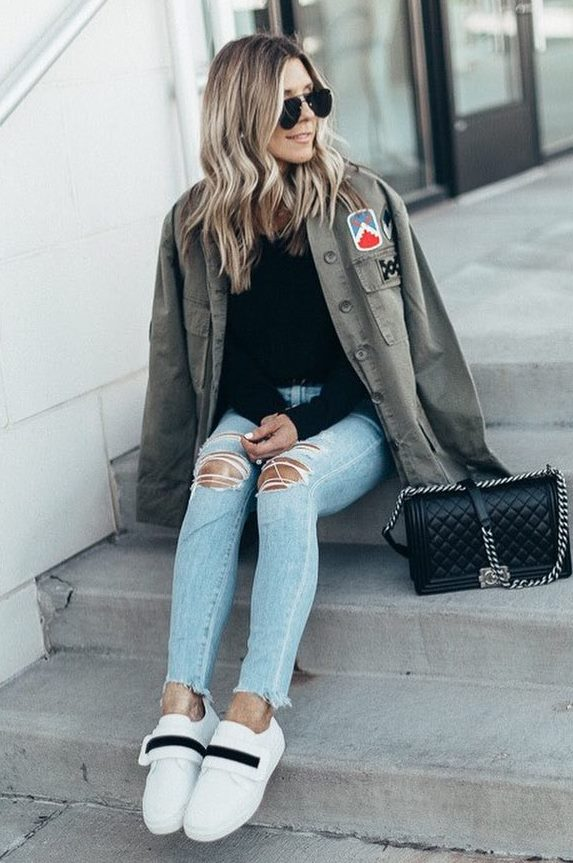 street style addiction / sneakers + ripped jeans + black top + khaki jacket + bag