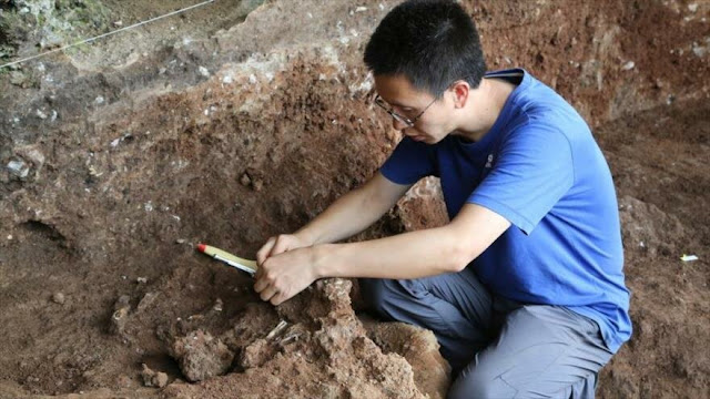 Hallan en China tumba de 13500 años con cuerpo en cuclillas