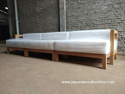 Outdoor Teak Sofa With Quick Dry Foam