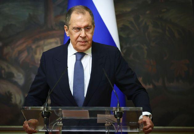 Μόσχα καλεί Αθήνα - Ο ρόλος της επίσκεψης Λαβρόφ