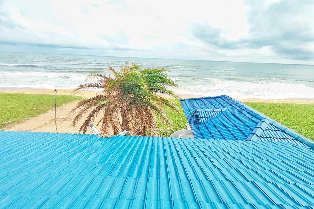 book beach villa in ecr