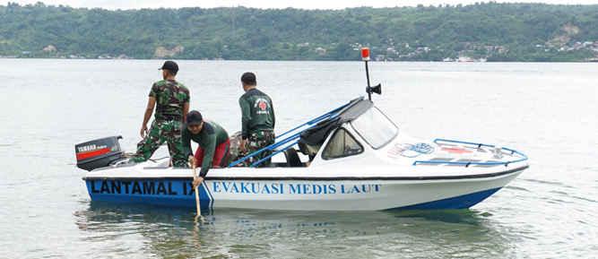 Rumah Sakit TNI Angkatan Laut (Rumkital) dr. F.X. Suharjo Lantamal IX mendapatkan bantuan ambulan laut untuk evakuasi Medis Laut baru dari Komandan Lantamal IX Laksamana Pertama TNI Antongan Simatupang.