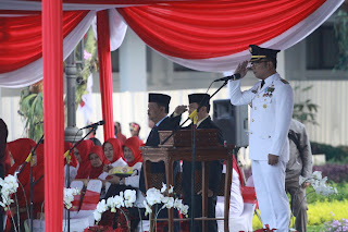 Ridwan Kamil menjadi Inrup peringatan HUT RI 71 Kota Bandung