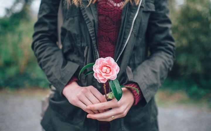 Tak Terduga, Ini Manfaat Luar Biasa di Balik Pemberian Bunga