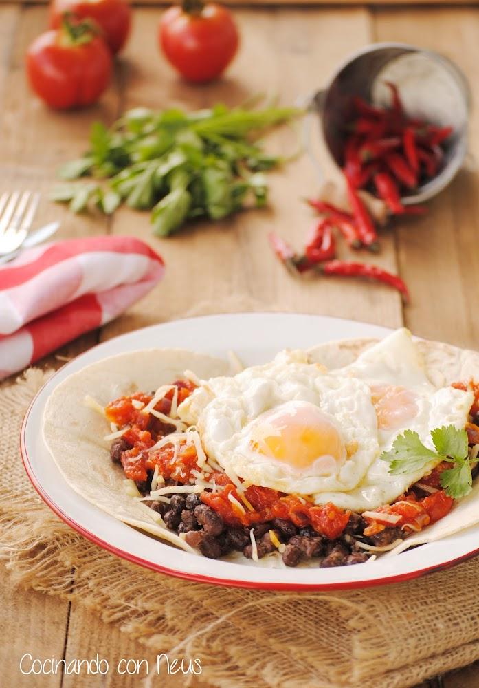 Cocinando con neus huevos fritos rancheros for Cocinando 1000 huevos