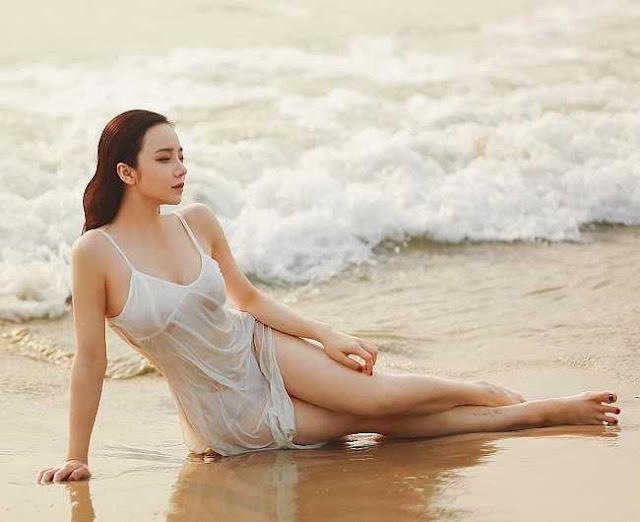 Ngân 98, hot girl Kem Xôi, Mì Gõ…mặc gợi cảm chào đón mùa hè