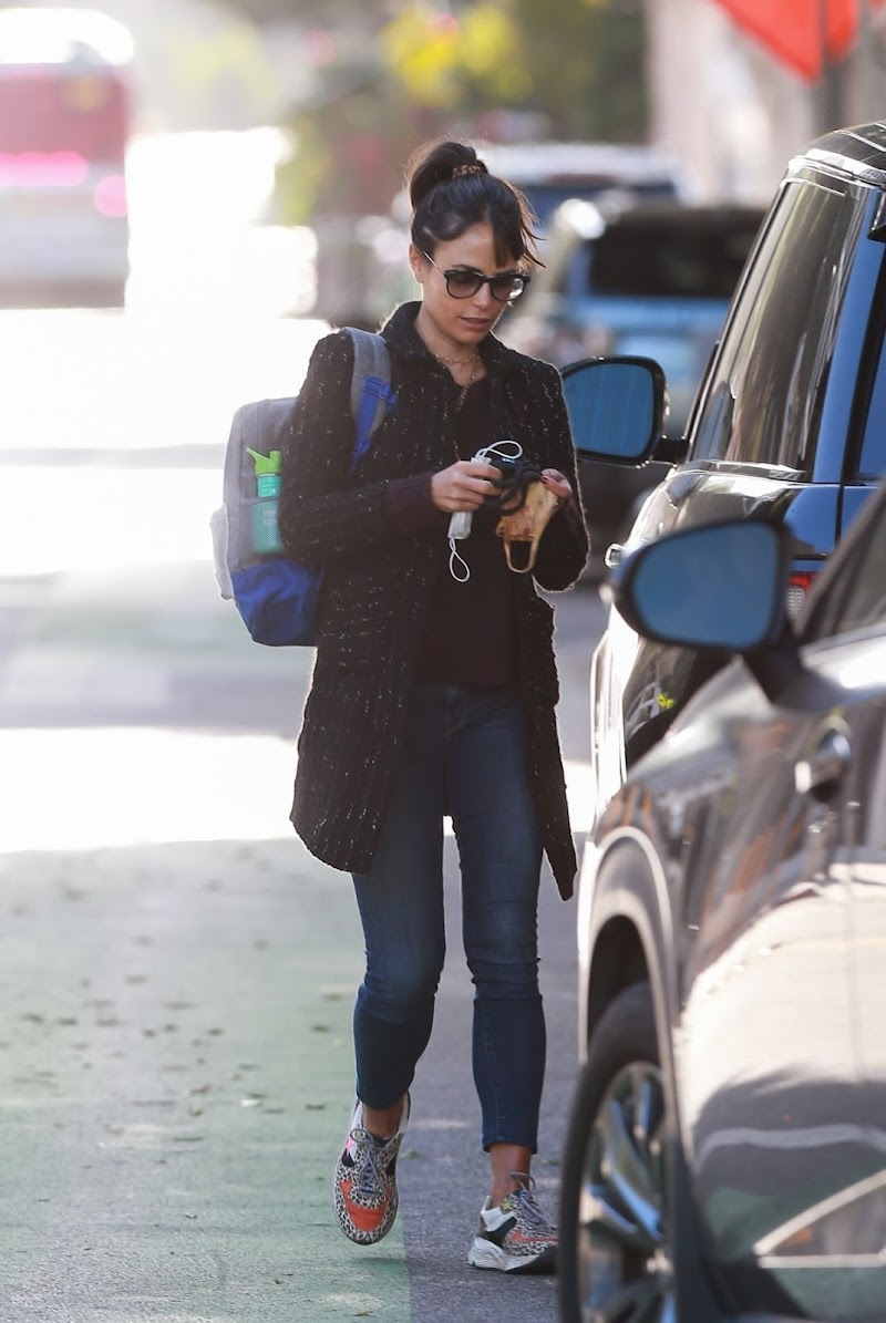 Jordana Brewster Clicked Outside  in Santa Monica 9 Nov-2020