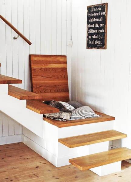 solution gain de place escalier placard dans l'escalier