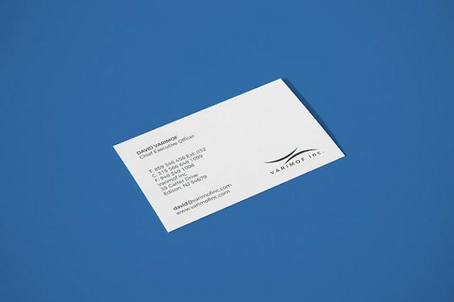Download-Mockup-Kartu-Nama-Putih-Simple-Namun-Elegan-Gratis