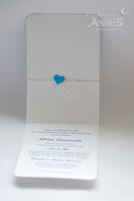 Text interior invitatie handmade botez baietel in nunate de albastru cu fluturas