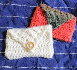 かぎ針編みのぺたんこポーチ