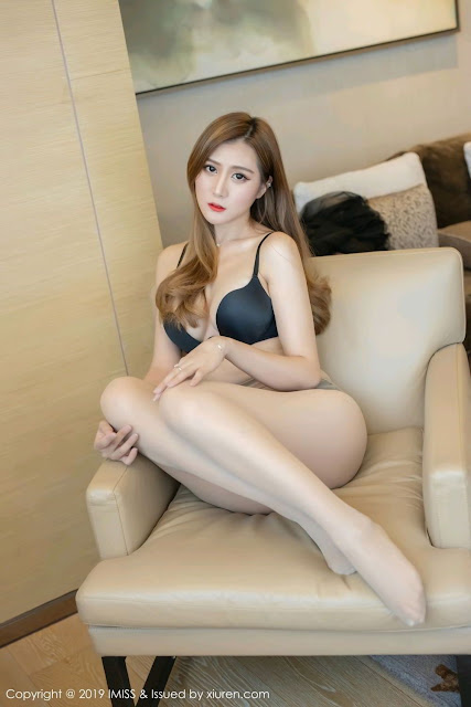 Hot and sexy big boobs photos of beautiful busty asian hottie chick Chinese booty model Ceci photo highlights on Pinays Finest sexy nude photo collection site.