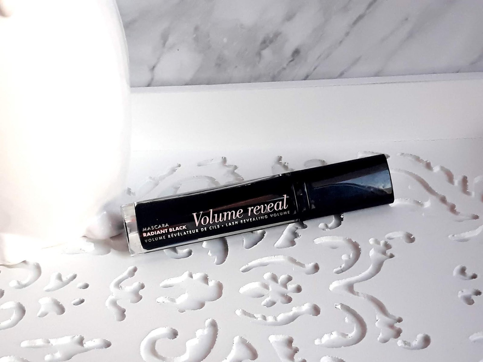 BOURJOIS Volume Reveal Radiant Black / DAIRY FUN kule do kąpieli