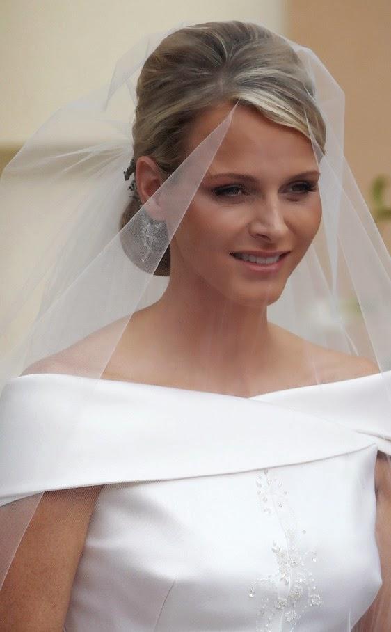 boda religiosa de alberto de m  naco y charlene wittstock 961800417 562x908 - Casamento Real - Principe Alberto ♥ Charlene Wittstock