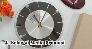 Jam Dinding Berfungsi Sebagai Media Promosi