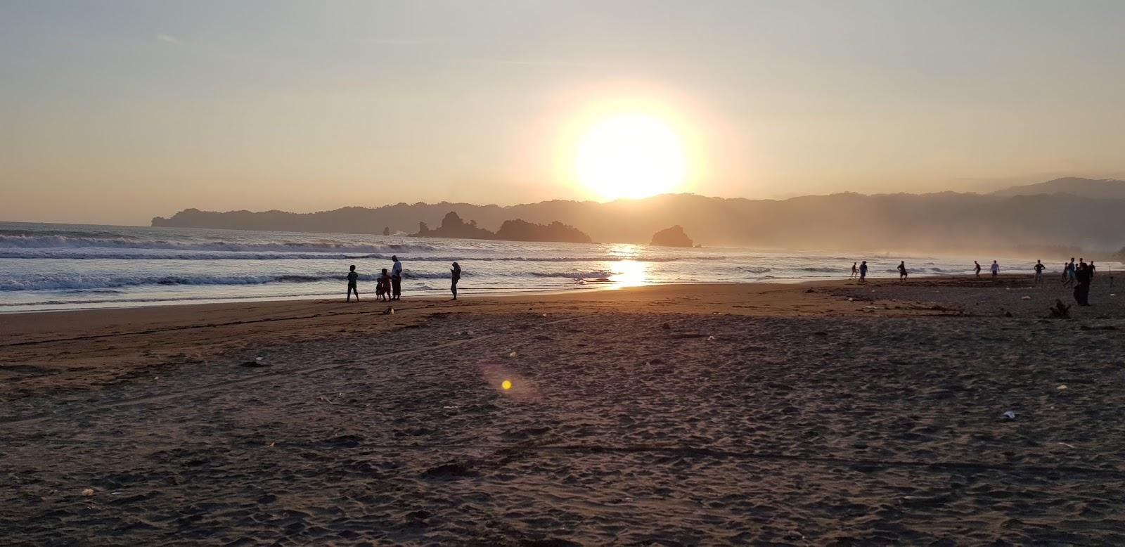pantai Konang , Wisata pantai di trenggalek