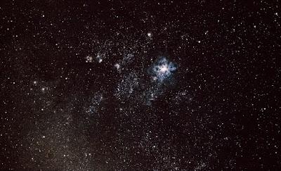 Gran Nube de Magallanes y la Nebulosa de la Tarántula NGC 2070 o 30 Doradus