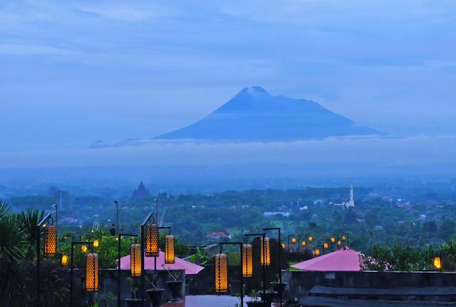 Abhayagiri Restaurant Atas Bukit Paling Menawan di Yogyakarta