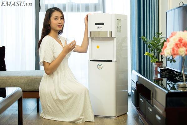Cây nước nóng lạnh cao cấp FujiE WD6500C bình âm đặt dưới tiện dụng cả cho sử dụng văn phòng và gia đình