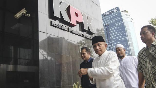 Kritik Keras Amien Rais ke KPK, Penyebab Taufik Kurniawan Langsung Ditahan?