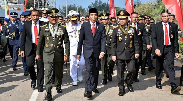 Cerita Jokowi Basah Kuyup Jalan Kaki ke Lokasi HUT TNI