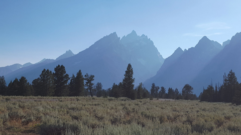 Grand-Tetons-piercing-the-sky