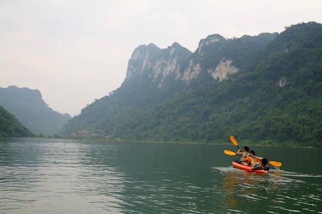 Family Tours in Ba Be Lake – Vietnam 5