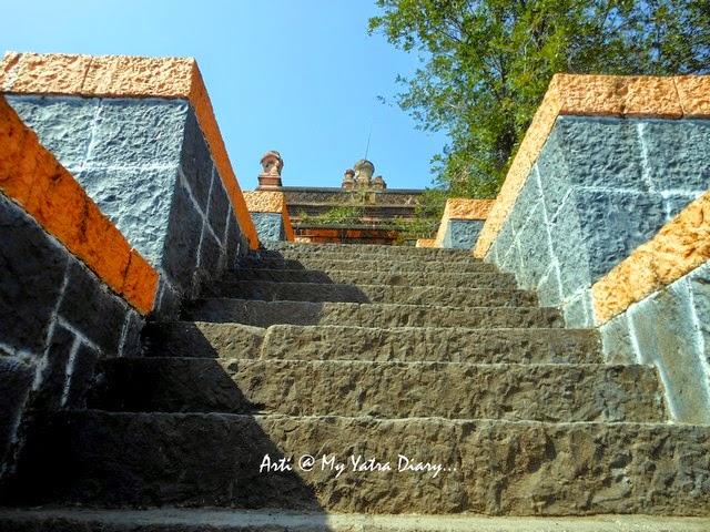 Steep flight of stairs at the Sangameshwar Shiva Temple, Saswad, Pune