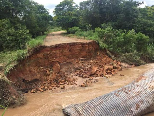 Chuvas provocam queda de Ponte em Rio Branco do Ivaí