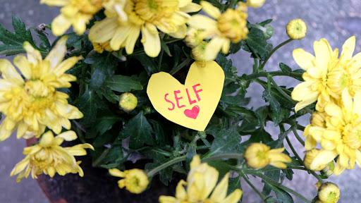 Tips agar lebih mencintai diri sendiri