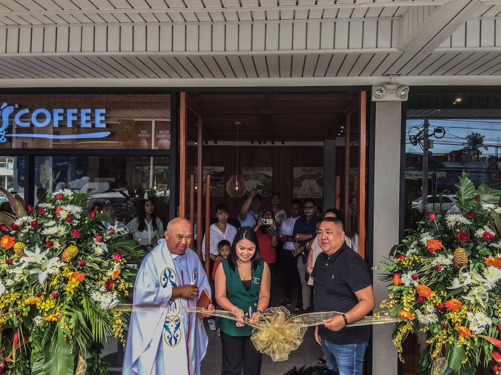Bos Coffee Mactan Town Center Ribbon Cutting