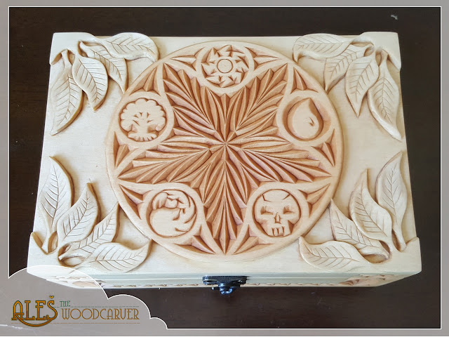 Ales the woodcarver relief carving on mtg card box