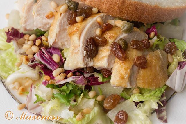 Запеченная курица с салатом
