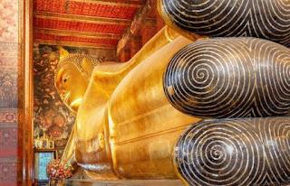 2. Kuil Budha Berbaring (Wat Pho)