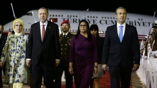Erdogan está en Venezuela para estrechar cooperaciones con Maduro