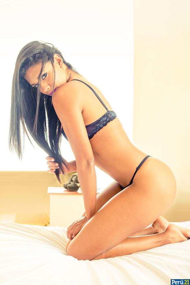 Hermosa colombiana paisa se presenta desnuda x la camara web - 3 part 2