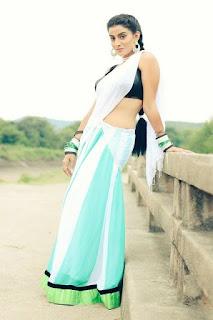 charming bhojpuri girls, cute bhojpuri film heroine photo