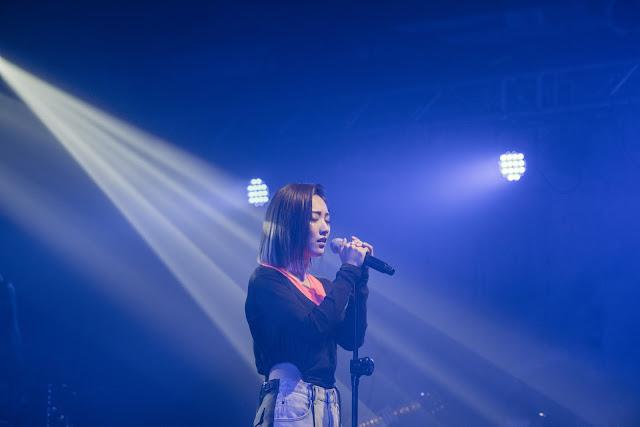 閻奕格以獨特的「格式情歌」融化粉絲,預告年底推出新專輯!