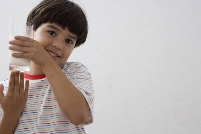 4 Kandungan Terbaik Susu untuk Anak